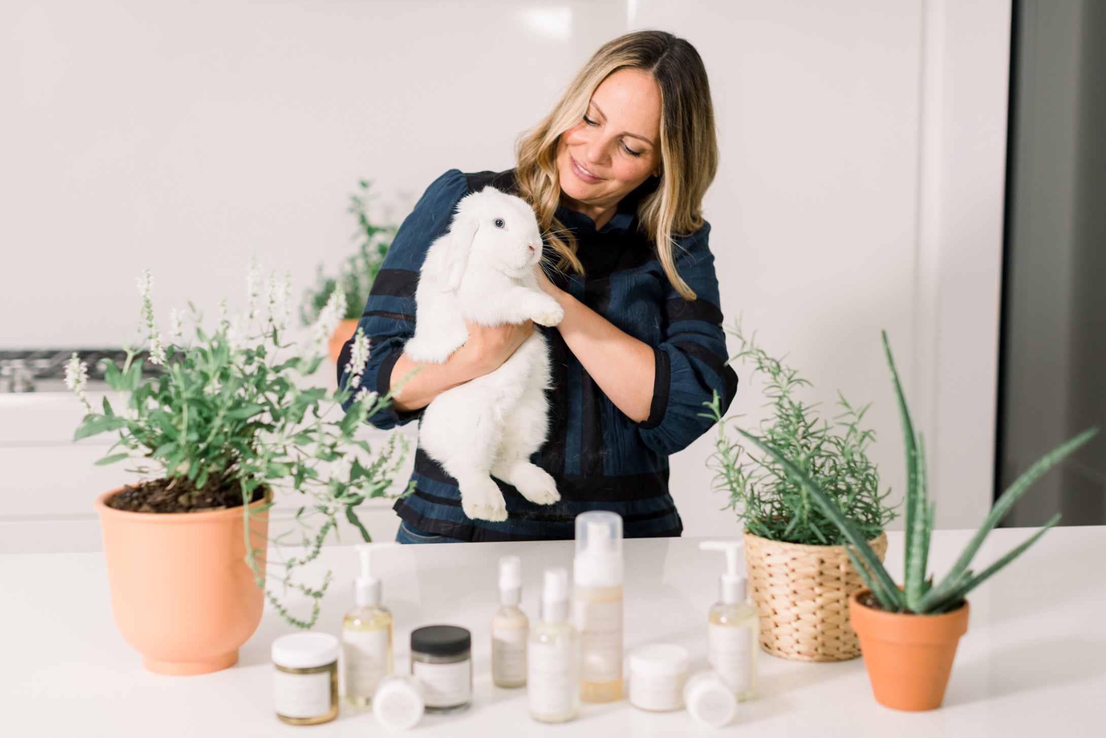 Sara D'Amelio and her natural green beauty routine.